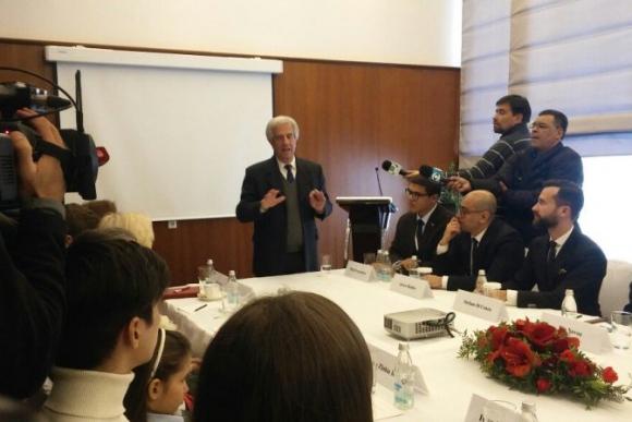 Vázquez reunido con descendientes de la colectividad rusa de San Javier. Foto: Presidencia.