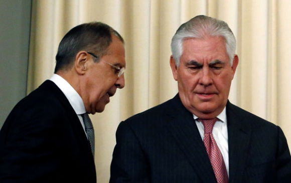 El secretario de Estado, Rex Tillerson, y el ministro de Exteriores ruso, Sergei Lavrov.  Foto: Reuters