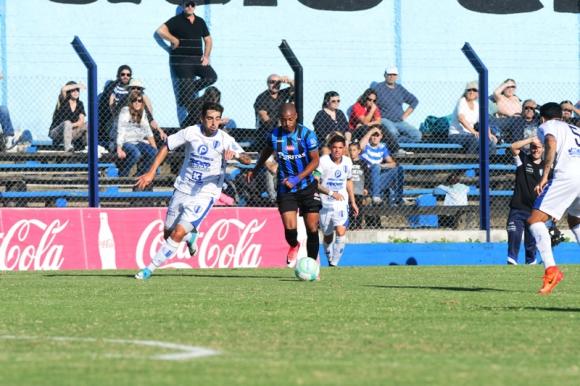 Leandro Zazpe anotó el primer gol de Juventud. Foto: Marcelo Bonjour.
