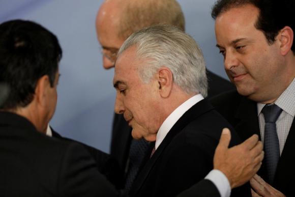 Temer se retira de Planalto y recibe apoyo de funcionarios y legisladores. Foto: Reuters