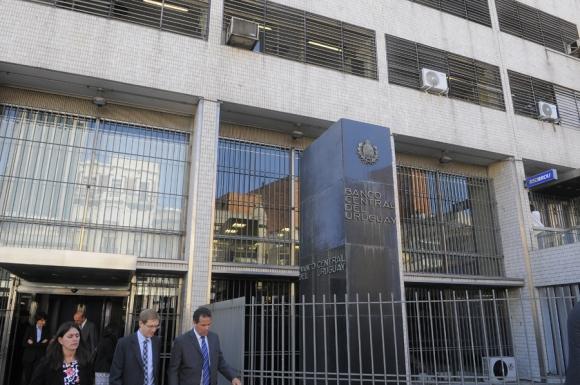 La política monetaria del BCU hace atractiva las tasas de las Letras en pesos. Foto: A. Colmegna