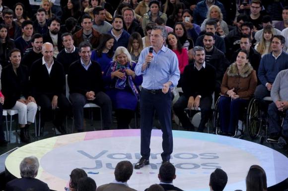 Mauricio Macri pidió el voto por la diputada Elisa Carrió en Buenos Aires. Foto: EFE