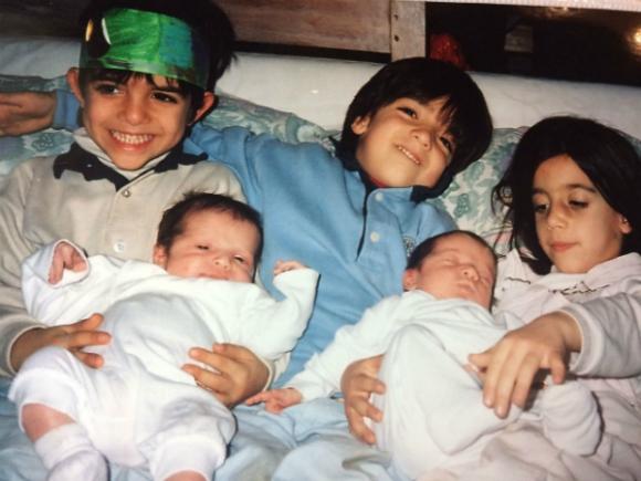 Los cinco hermanos Laffitte: Felipe, Santiago, Avril, Juan Cruz y Azul.