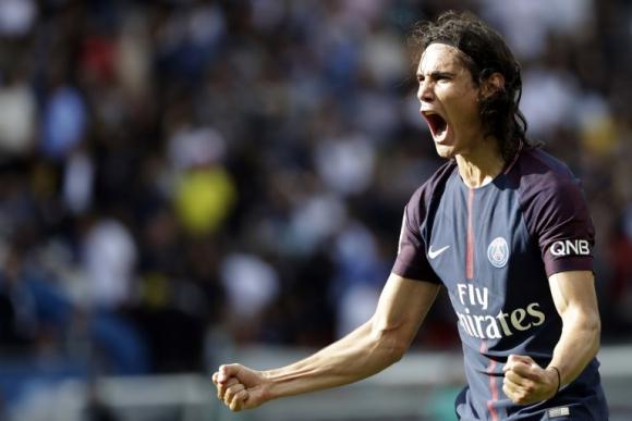 Edinson Cavani festejando el primer gol de la temporada. Foto: AFP