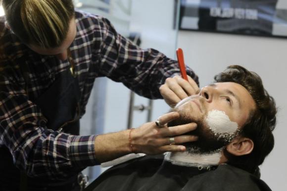 En el uso de la navaja reside buena parte del arte de un buen barbero.