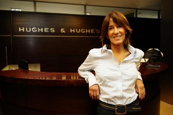 Marcela Hughes, abogada.