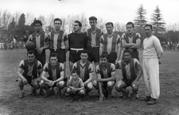 Equipo de Progreso en la década de 1950. Foto: archivo El País