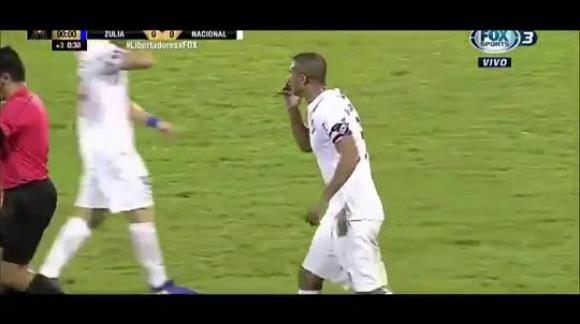 La expulsión de Diego Arismendi contra Zulia - Copa Libertadores