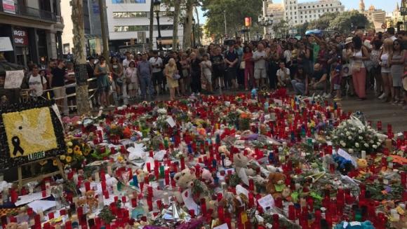 Homenaje a las víctimas de los atentados. Foto: Mariana Malek