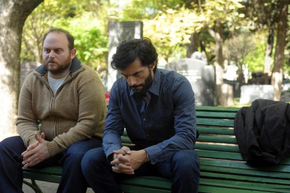 Alán Sabbagh interpreta al mejor amigo del arquitecto.