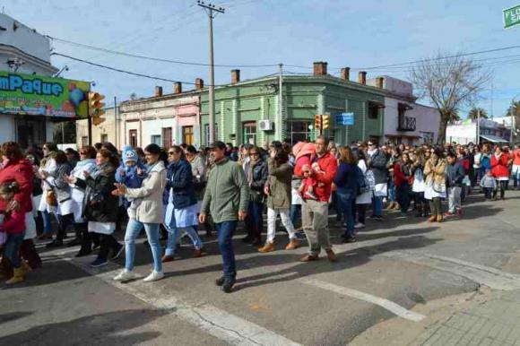 Marcha en Soriano por agresión a una maestra. Foto;: Daniel Rojas.