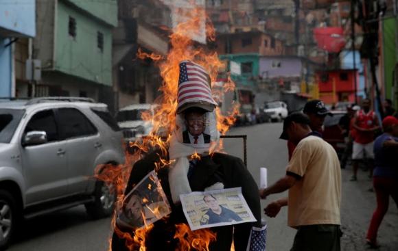 Quienes apoyan a Maduro también realizaron sus