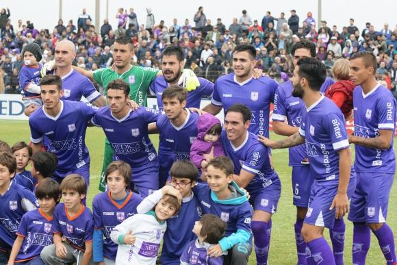 El equipo campeón de Defensor Sporting. Foto: Francisco Flores