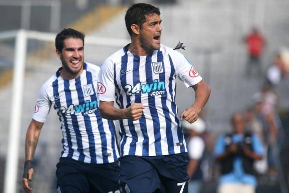 Goleador. Luis Aguiar anotó dos goles en el empate ante Huancayo. Foto: @SC_ESPN