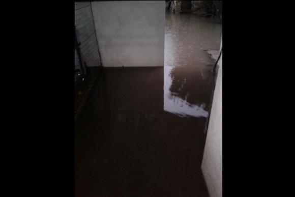 Casa inundada en Mercedes. Foto: Daniel Rojas.