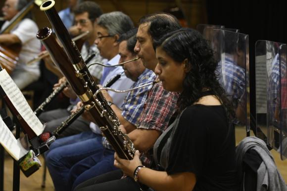 Seis de cada 10 músicos de la Ossodre también integran la Filarmónica de Montevideo. Foto: A. Colmegna