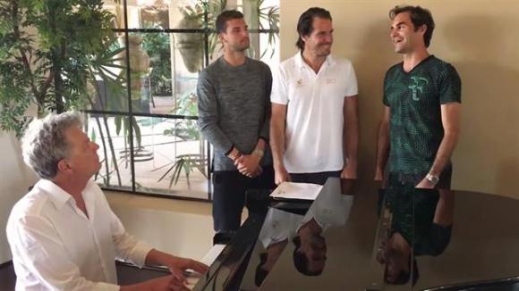 Federer, junto a Hass y Dimitrov. Foto: Captura de La Nación / GDA