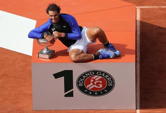 Rafael Nadal y su décima copa de los Mosqueteros. Foro EFE