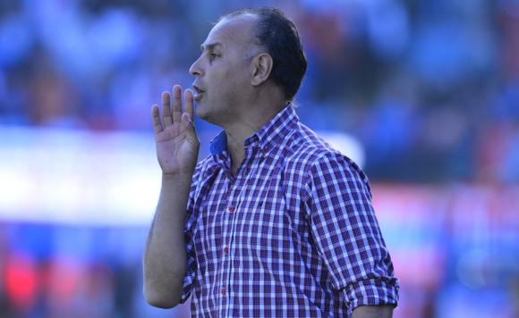 Rival. Edgardo Arias prepara a su equipo para Peñarol.
