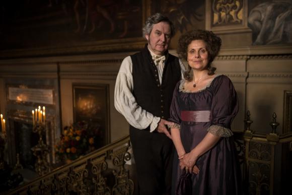 Los Bennet, padres de Elizabeth y sus hermanas, aparecen en esta historia.