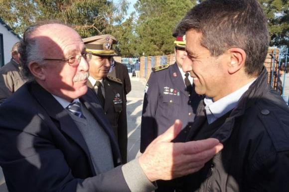 Raúl Sendic y el intendente de Río Negro, Oscar Terzaghi, en Nuevo Berlín. Foto: Daniel Rojas.