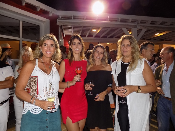 María Fernanda Iglesias, Carolina Muto, Alejandra Martínez, Gabriela Olondriz.