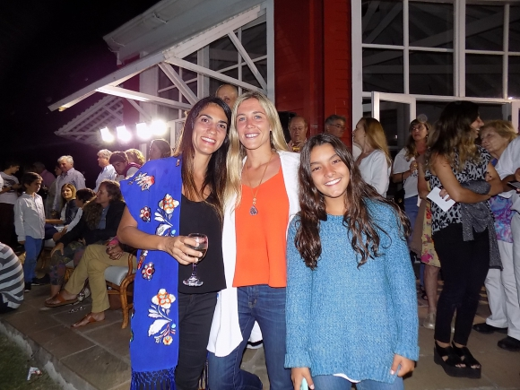Ana Inés Zorrilla, Margarita Rachetti, Delfina Paullier.