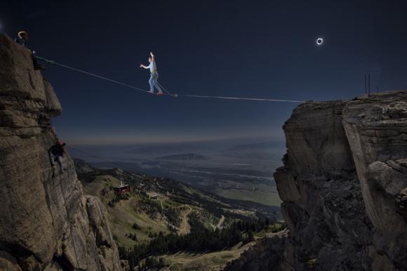 Alex Mason cruzando el Jackson Hole. Foto: Reuters