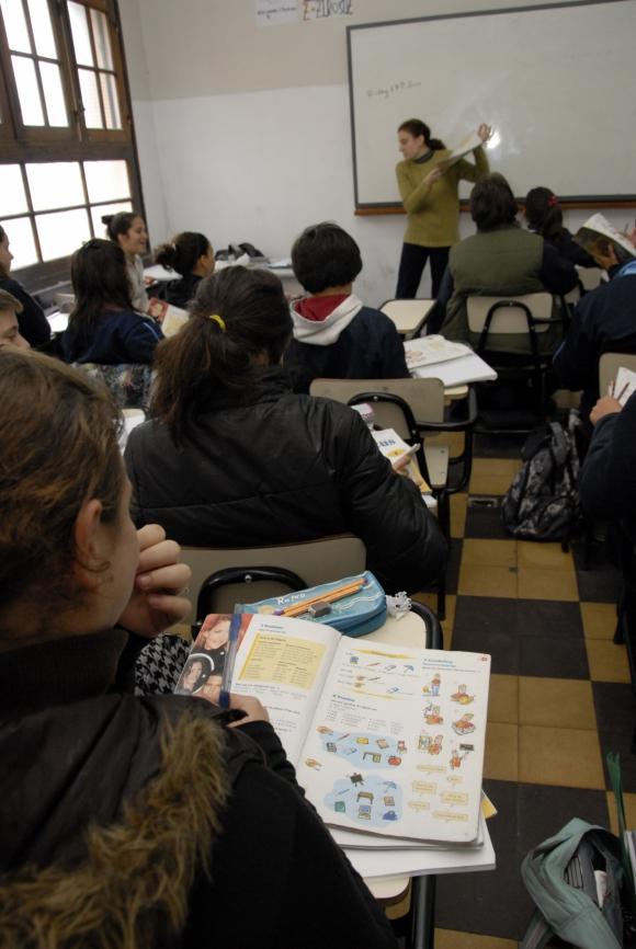 Estudiantes de secundarias. Foto: Archivo El País