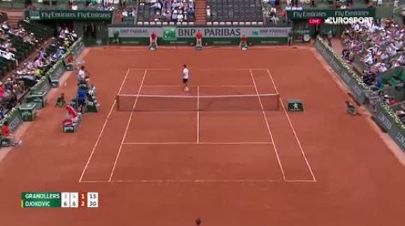 Punto de Marcel Granollers ante Novak Djokovic. Roland Garros