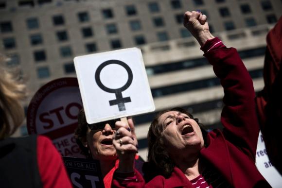 Mujeres marchan en Washington contra Donald Trump. Foto: EFE