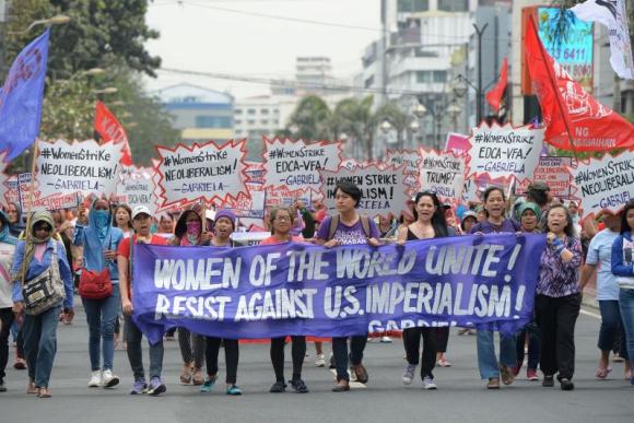 Manifestación por el Día Internacional de la Mujer en Filipinas. Foto: AFP.