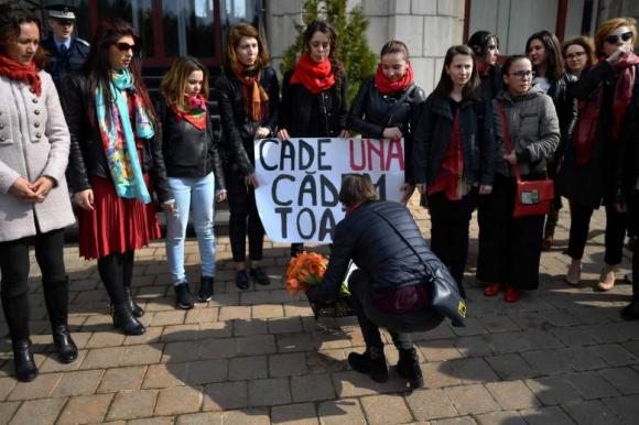 Manifestación por el Día Internacional de la Mujer en Rumania. Foto: AFP.