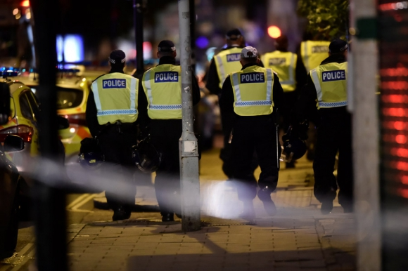 Policías atienden incidentes en Londres. Foto: Reuters