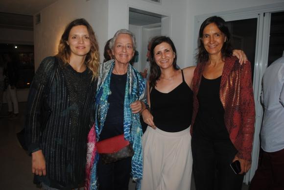 Jacinta Quiroga, Silvia e Ivonne de Ridder, Alexa Sanguinetti.