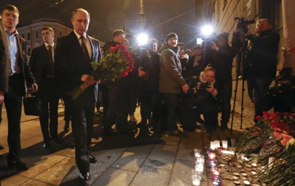 El presidente Putin visitó el lugar de la tragedia. Foto: Reuters