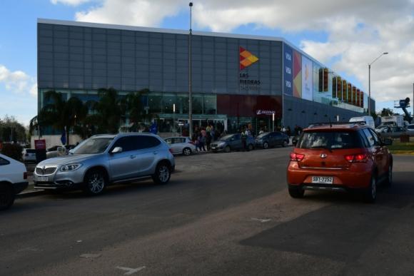 Inauguración de Las Piedras Shopping. Foto: M. Bonjour