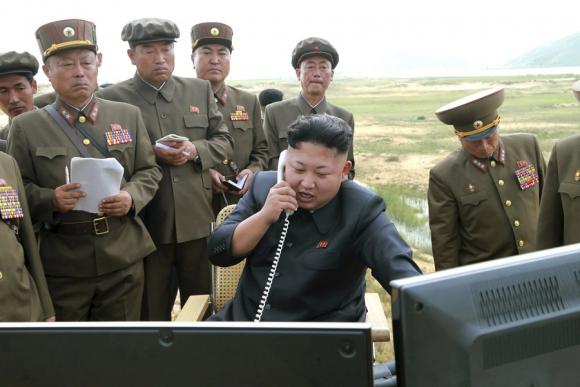 Kim Jong-un parece hacer oídos sordos a las llamadas de alerta. Foto: Reuters