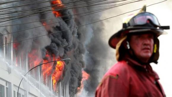 Incendio en Lima. Foto: @Agencia_Andina