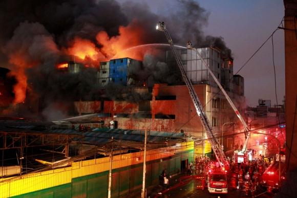 Incendio en Lima. Foto: Andina   AFP