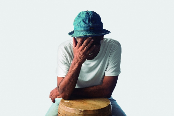 Lobo Nuñez. Músico, percusionista y luthier.
