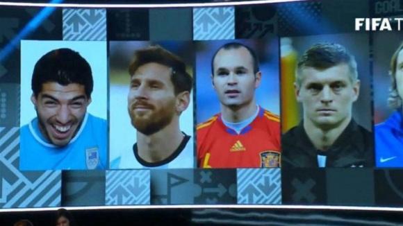 Polémica por foto de Luis Suárez elegida por la FIFA. Foto: Captura.