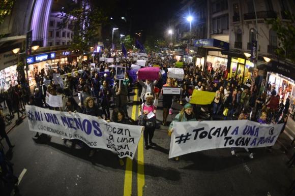 """Marcha """"Ni una menos"""" en contra del feminicidio. Foto: G.Pérez."""