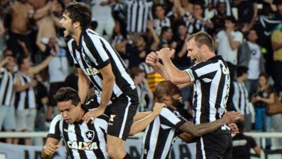 Jugadores de Botafogo festejan el triunfo. Foto: AFP