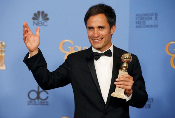Gael García Bernal y su comedia Mozart in the Jungle debutaron con estatuilla.