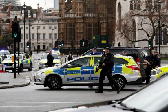 Atentado en Londres dejó varios muertos y heridos. Foto: Reuters