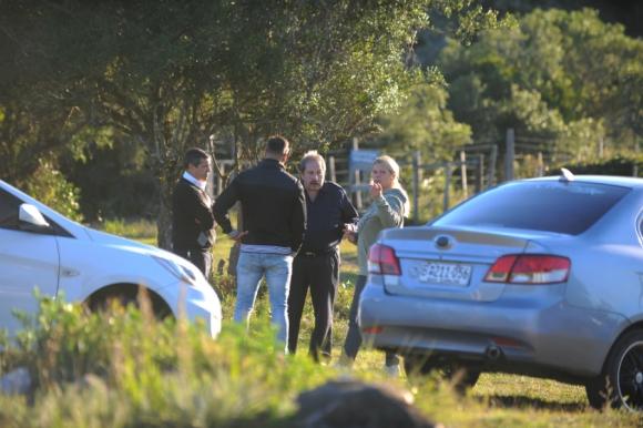 Policía, Guardaparques y familia buscan intensamente al pequeño. Foto: Fernando Ponzetto