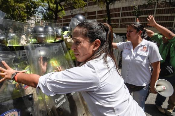 Disolvieron marcha opositora en Venezuela. Foto: AFP