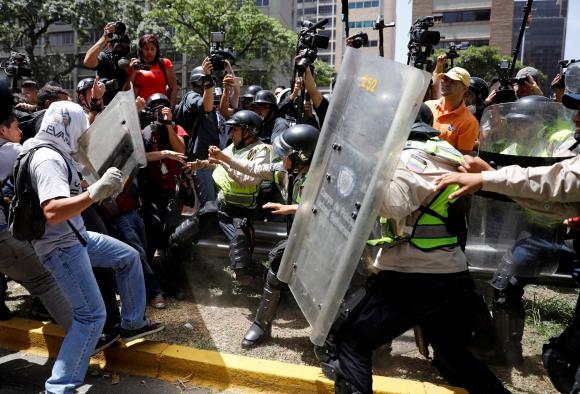 Disolvieron marcha opositora en Venezuela. Foto: Reuters