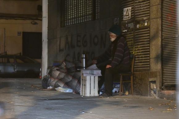 Más de 500 personas duermen en la calle. Foto: Marcelo Bonjour.